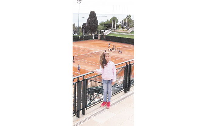 10-г. санданчанка пета на тенис във Франция