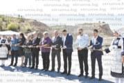 """Предизборният балон се спука! 2 месеца след като Камбитов сряза лентата на """"глътналото"""" 23 млн. лв. депо край Бучино, благоевградчани продължават да плащат транспорта на боклука до Костинброд"""