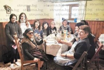 Най-възрастният жител на с. Баня баба Рада Цеклеова  чества 98-и рожден ден