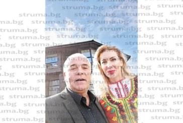 Адвокат Александър Мановски се уреди със селфи с миската Антония Петрова
