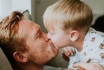 Защо не трябва да целуваме децата по устата?