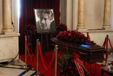 Погребват Стефан Данаилов до съпругата му Мария