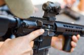Снайперист стреля по бизнесмен