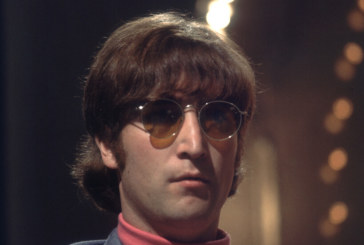 Продадоха на търг кръглите очила на Джон Ленън