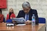 """Кметът Р. Томов и заместникът му разбраха  новините в Пиринско от вестник """"Струма"""""""