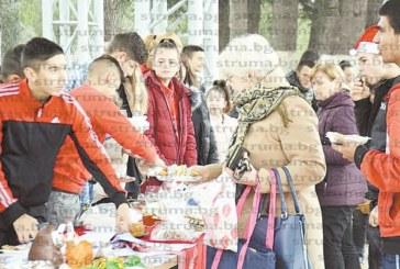 Учениците в Симитли с втори благотворителен търг