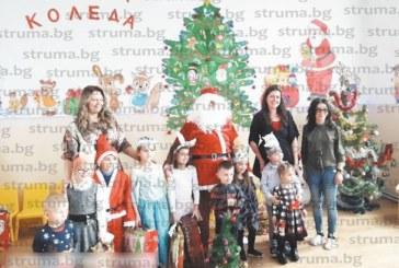 Кмет облече костюма на Дядо Коледа и зарадва децата от забавачката