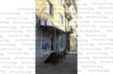 СРЕДНОЩЕН ЕКШЪН В ЮГОЗАПАДА! Полицаи закопчаха разярен мъж, при опит да се саморазправи със съпругата си