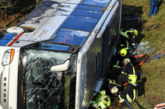 Училищен автобус катастрофира в Германия, две деца загинаха