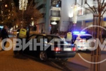 Пиян шофьор се заби в дърво пред сградата на общината във Велико Търново
