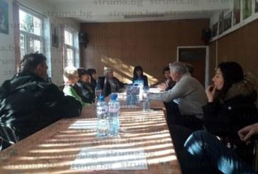 Хотелиери от Баня на среща с кмета М. Първанова поискаха ремонт на улиците, боклуците да се извозват 2 пъти седмично…