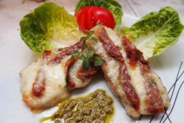 Свински филенца с моцарела и сушени домати