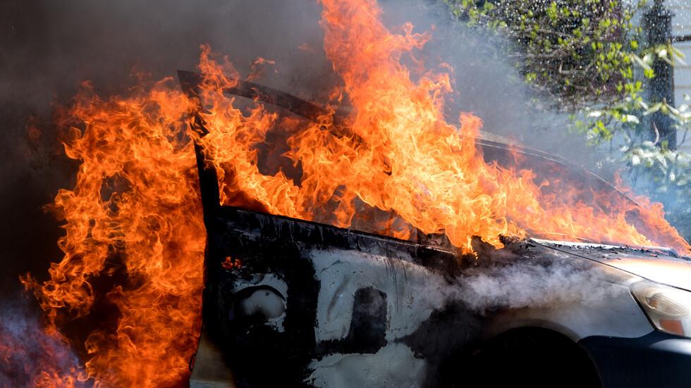 Огнен ад! Кола се запали на АМ