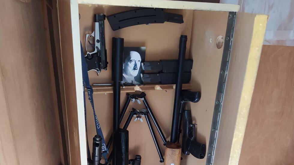 Откриха оръжия и боеприпаси в дома на перничанина, самоубил се в ДАНС