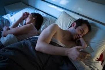 Защо мъжете, които изневеряват, не напускат жените си?