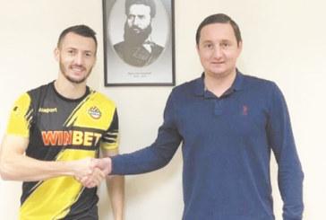 """Бивш национал от Кочан си тръгна от """"Ботев"""" /Пд/, оглежда се за отбор в чужбина"""