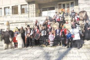 Кукери събудиха на Ивановден село Петрово