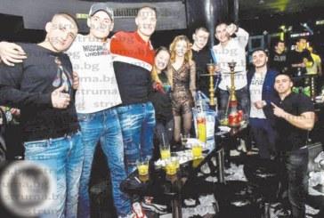 Хандбален национал от Благоевград чества два пъти 20-и рожден ден и замина за Белгия