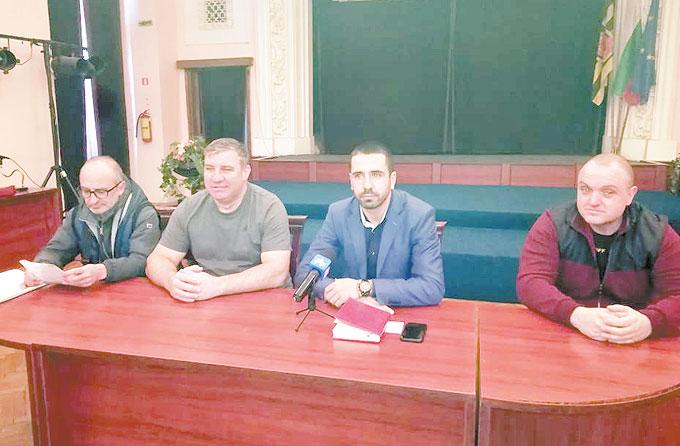 """Скандал на общото събрание на ФК """"Миньор"""" /Пк/, бившият УС не даде отчет за похарчените пари"""