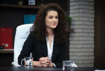 ТВ водещата Александра Кръстева стяга сватба