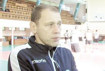 """Наставникът на волейболния """"Пирин""""/Рз/ М. Живков похвали противников играч"""