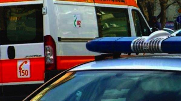 Микробус и лек автомобил в челен сблъсък в Кресненското дефиле, има пострадал