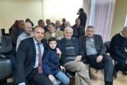 Дядото на депутата Б. Боцев с почетния знак на Гоце Делчев по случай 90-ата си годишнина