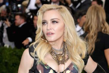 Побеснели фенове съдят Мадона за големи закъснения на концертите