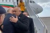 Свалиха кашлящ журналист от самолета на Борисов