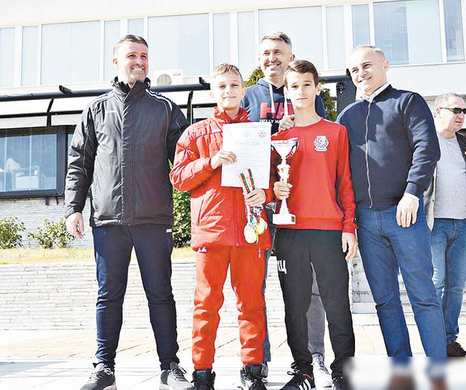 """""""Вихрен"""" с две шампионски купи в домашен турнир, """"Беласица"""" с една"""