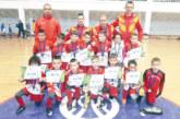 """""""Хлапетата"""" донесоха в Благоевград шампионска купа от Сърбия, посрещнаха ги у дома със заря и гръм от шампанско"""