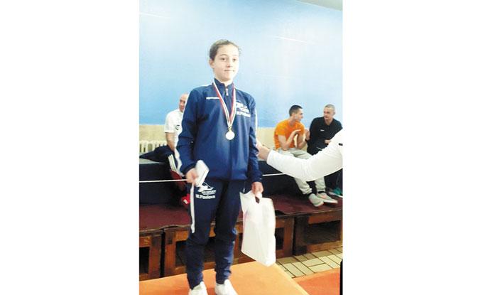 """Плувна надежда на """"GD Sport"""" взе купа за №1, пиринци стартираха годината с 4 медала в София"""