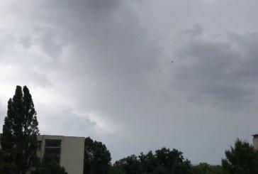 Облаци и слаб вятър в петък