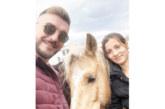 """Благоевградчанинът от """"Фермата"""" Д. Калайджиев на гости при конете на победителката Веселка в с. Борима"""