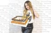 Красавицата Мария Настева от санданското село Лешница отпразнува 20-ия си рожден ден