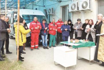 Центърът за спешна помощ в Симитли с нова линейка