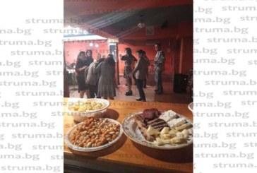 """След 30 г. прекъсване с парти """"вход за мъже забранен"""" кметът на Марино поле К. Цапаревски сюрпризира жените от селото"""