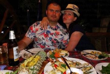 """Лидерът на МИР в Благоевград Рангел Бараков и съпругата му борят коронавируса с убийственото люто и екстремни туробиколки с """"Хонда"""" на тайландски курорт"""