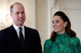 Принц Уилям и Кейт отлетяха за Ирландия с редовен пътнически полет
