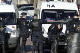 Въоръжен мъж взе бременната си жена и децата си за заложници