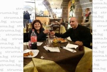 Карабинерите глобиха Е150 благоевградския ромски кмет В. Радев заради липса на маска, той категоричен: Правилно, така трябва!