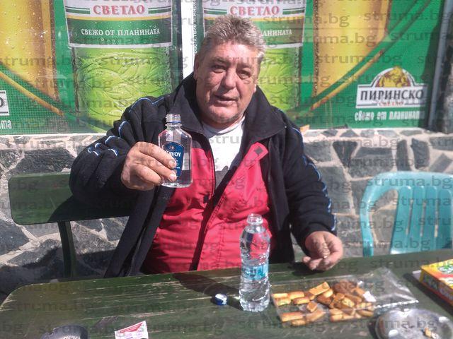 Бивш миньор бори коронавируса в Джерман с формулата 3х200 водка и магарешки кюфтета