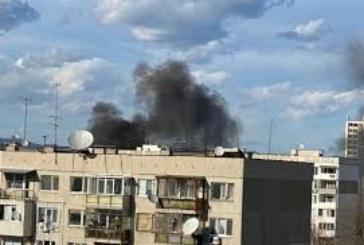 Огнен ужас в столичен квартал, хвърчат пожарни и линейки