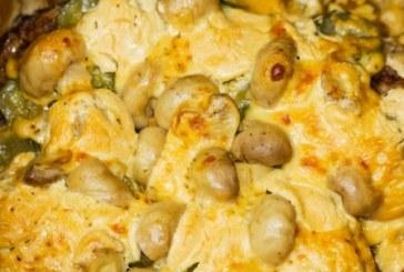 Пилешки гърди с гъби и топено сирене