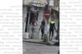 Младежи и пенсионери в Пернишко се разшетаха в  хубавото време, струпват се и нарушават мерките
