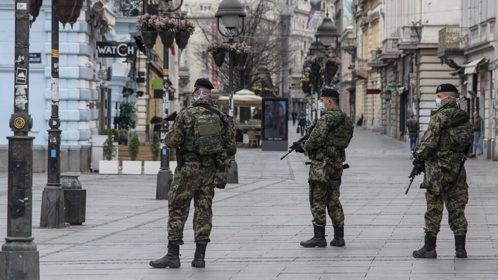 Полицейски час влиза в сила в цяла Сърбия
