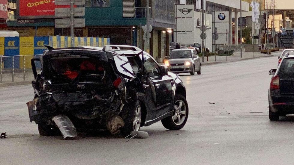 Обвинения и парични гаранции за спътниците на 22-г. Кристиян, предизвикал катастрофата с Милен Цветков