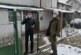 """Служители на """"ДЛС Витошко-Студена""""  помагат на възрастни жени от с. Боснек"""