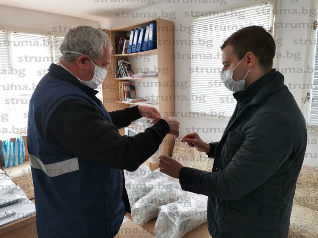 Депутатът Ст. Апостолов дари 200 предпазни шлема на ЦСМП - Благоевград
