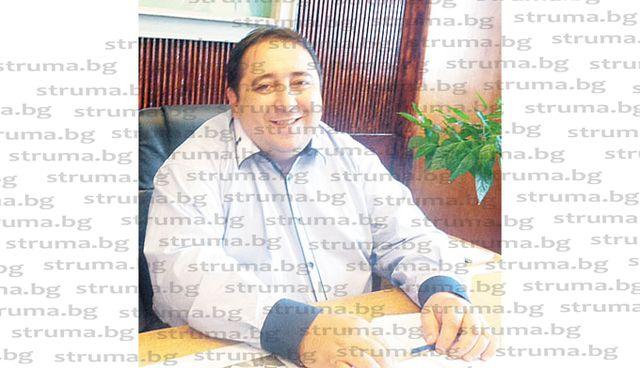 С лични средства общинските съветници в Дупница осигуриха 350 теста за COVID-19, за да могат съгражданите им да се изследват безплатно